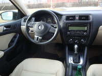 Picture of 2011 Volkswagen Jetta SE, interior