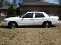 2006 Ford Crown Victoria Police Interceptor, very clean and classy, exterior