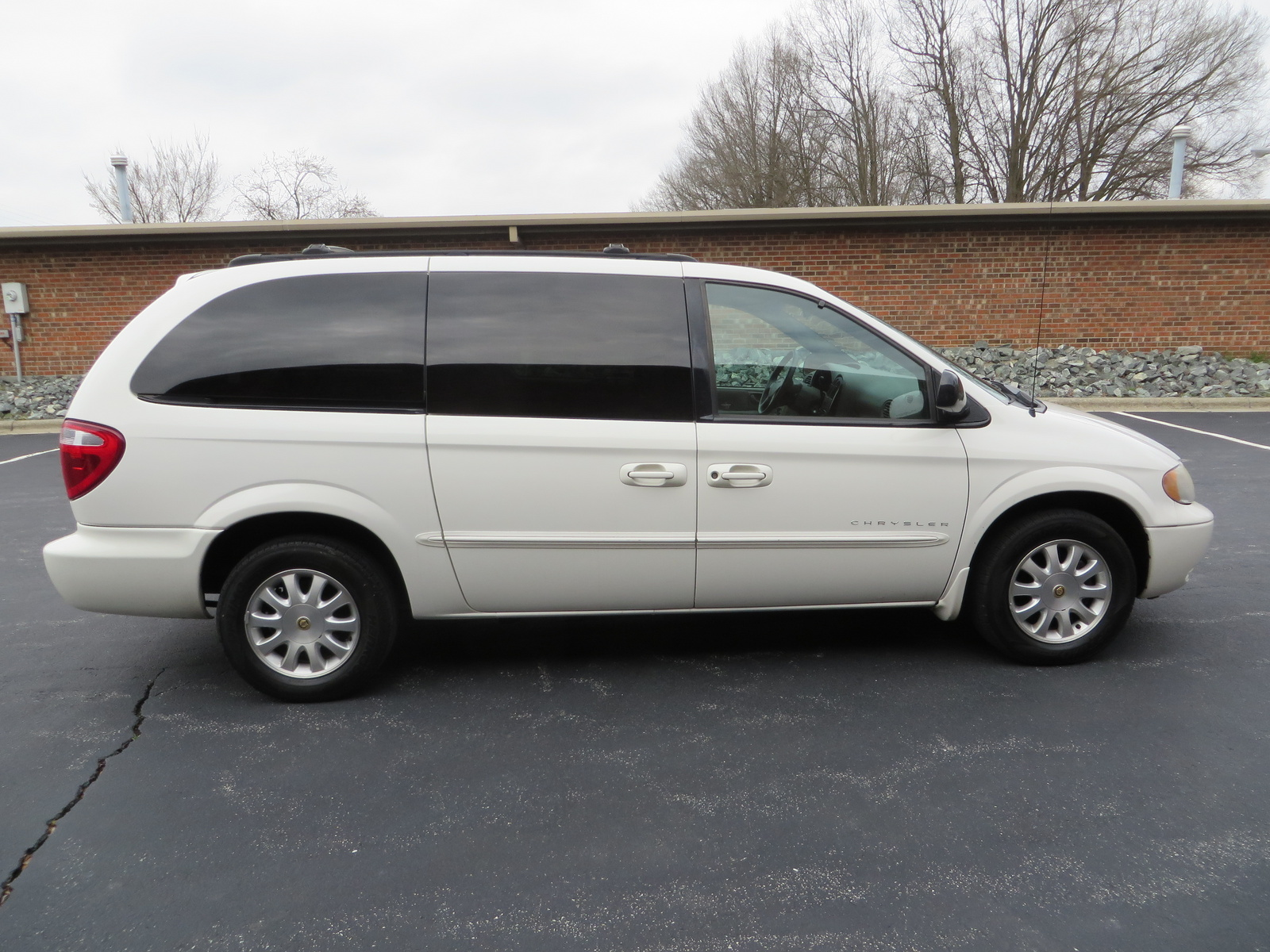 what 39 s your take on the 2001 chrysler town country. Cars Review. Best American Auto & Cars Review