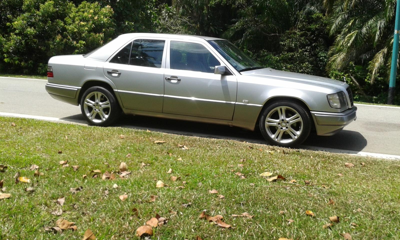 Picture of 1994 Mercedes-Benz E-Class