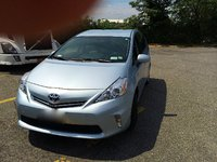Picture of 2013 Toyota Prius v Three, exterior, gallery_worthy