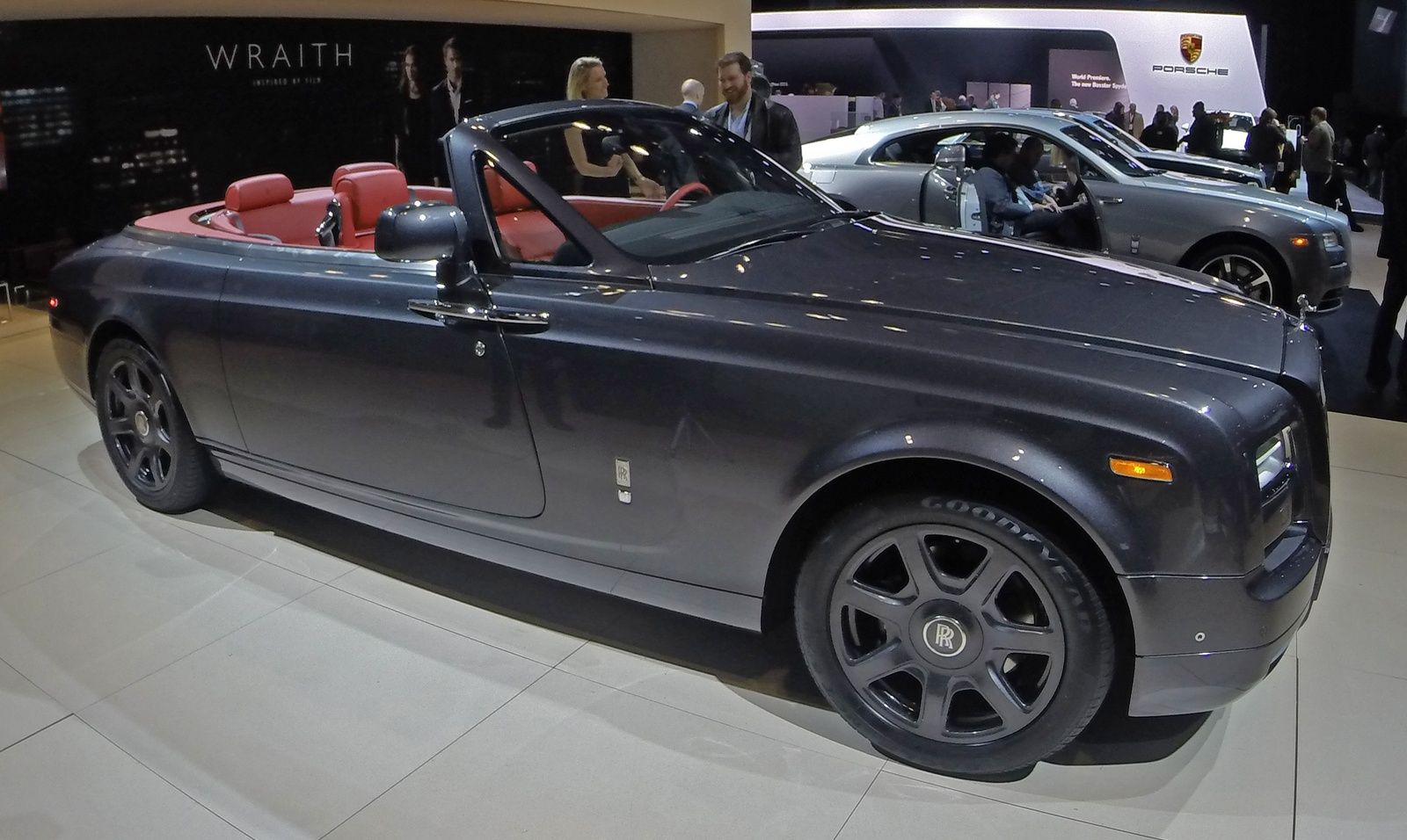 rolls royce phantom drophead coupe 2017. Black Bedroom Furniture Sets. Home Design Ideas