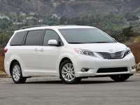 2015 Toyota Sienna Picture Gallery