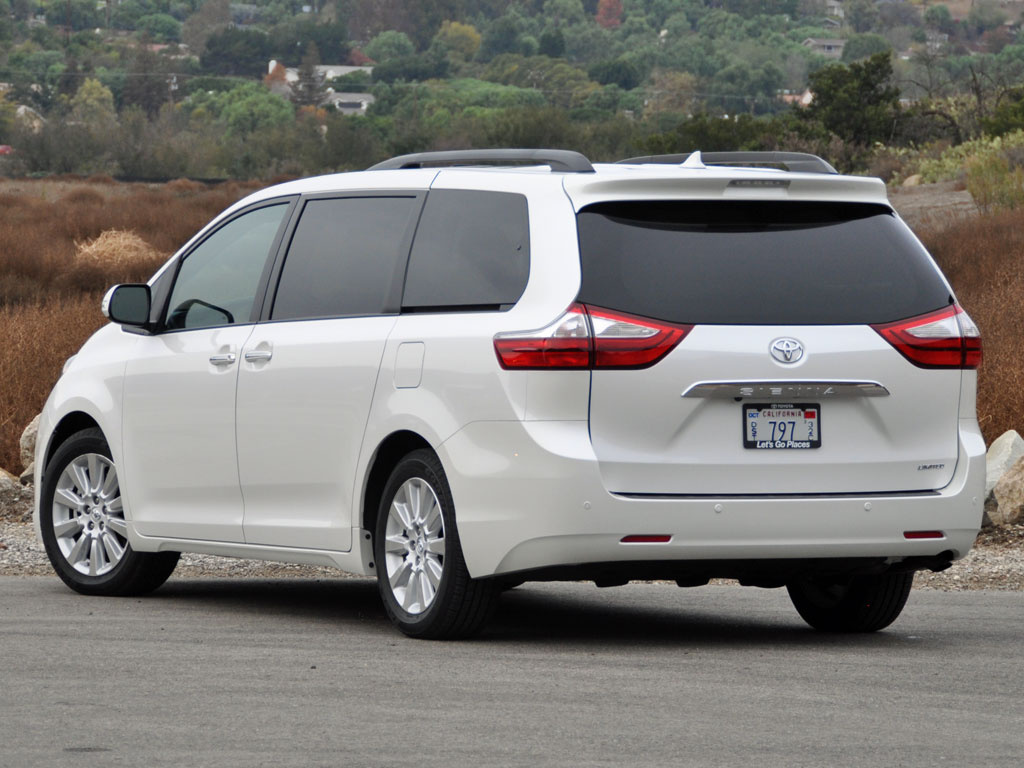 2015 toyota sienna test drive review cargurus. Black Bedroom Furniture Sets. Home Design Ideas