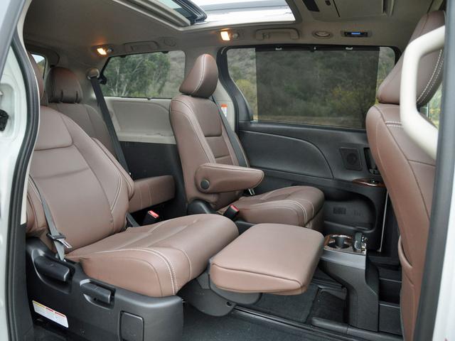 2017 Toyota Sienna Interior Pictures