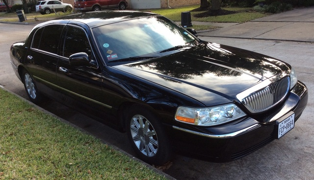 2008 Lincoln Town Car - Pictures