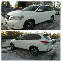 Picture of 2013 Nissan Pathfinder SV 4WD, exterior