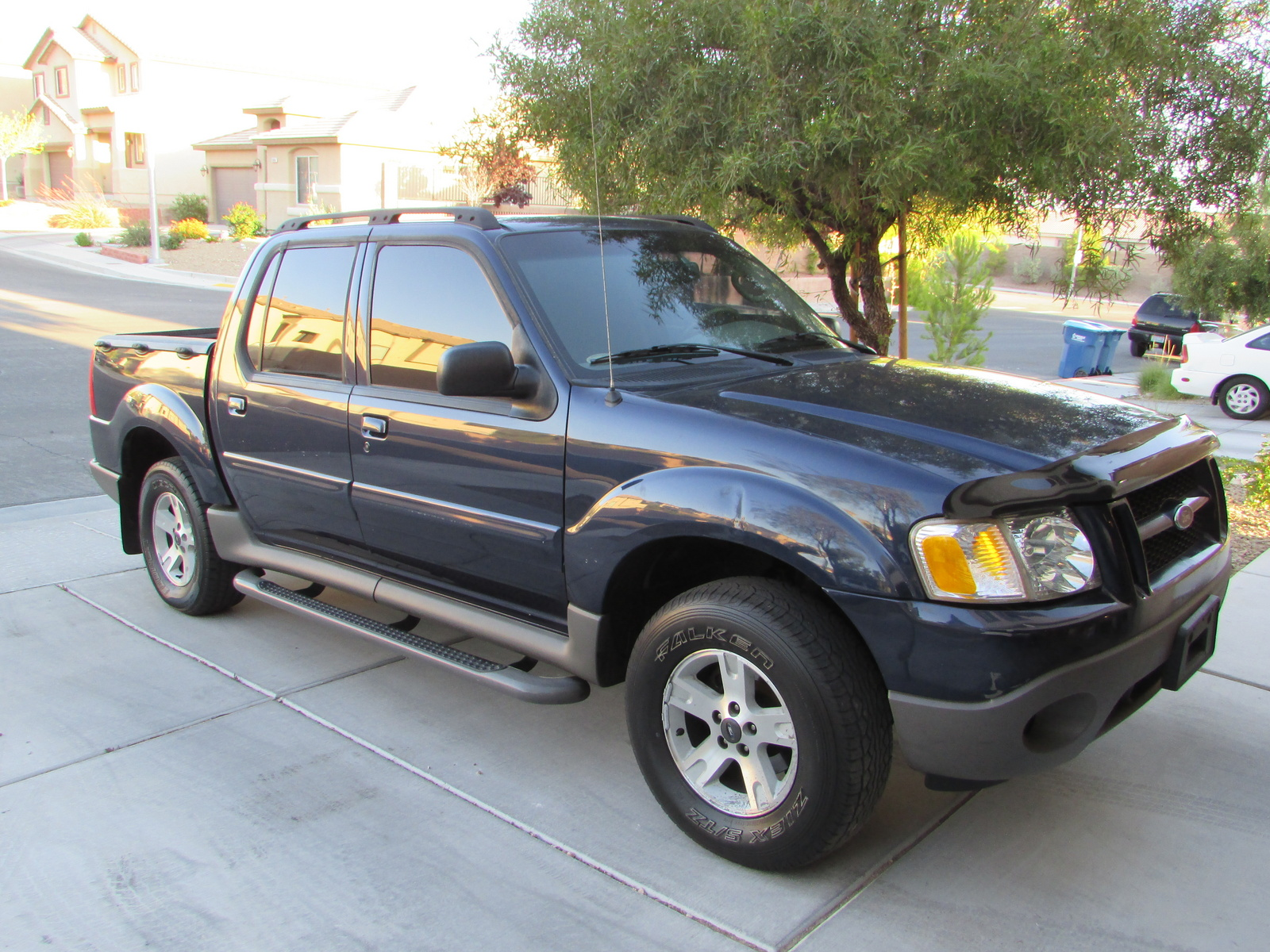 picture of 2003 ford explorer sport trac 4 dr xls crew cab sb. Cars Review. Best American Auto & Cars Review