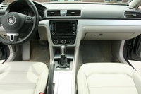 Picture of 2012 Volkswagen Passat SE
