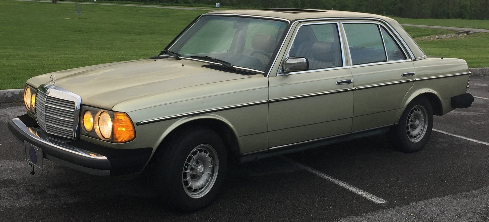 1984 mercedes benz 300 class pictures cargurus for Mercedes benz gle 300d review