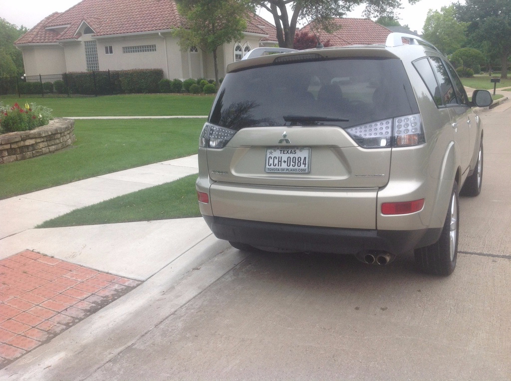 Picture of 2007 Mitsubishi Outlander LS