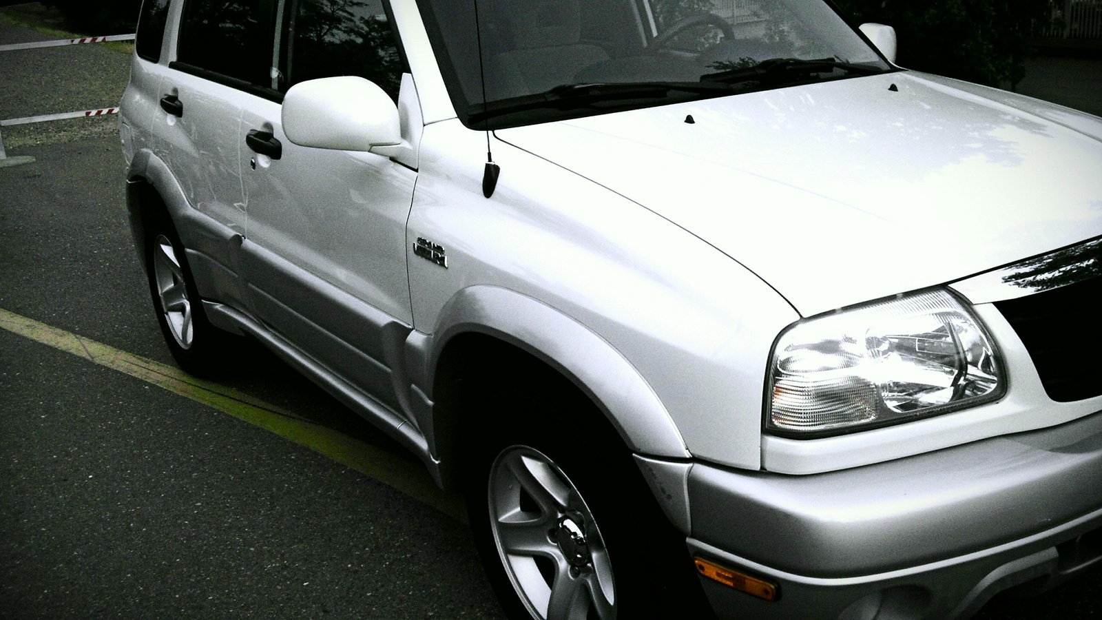 Picture of 2003 Suzuki Grand Vitara 4 Dr STD 4WD SUV