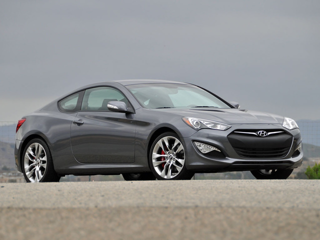 Captivating 2015 Hyundai Genesis Coupe 3.8 R Spec