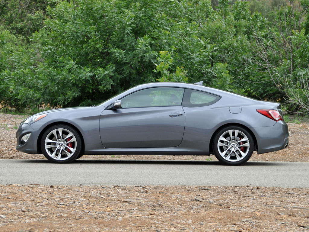 2015 hyundai genesis coupe pictures cargurus. Black Bedroom Furniture Sets. Home Design Ideas