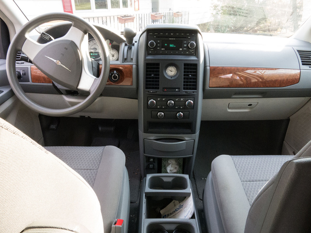 Chrysler Town Country Lx Pic X on 1997 Dodge Caravan Interior