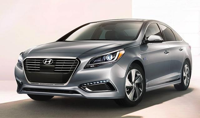 2016 Hyundai Sonata Hybrid, Front-quarter view, exterior, manufacturer, gallery_worthy