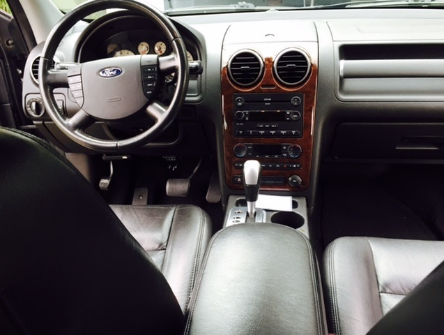 Ford Freestyle Limited Awd Pic X on 2005 Ford 500 Sel Specs