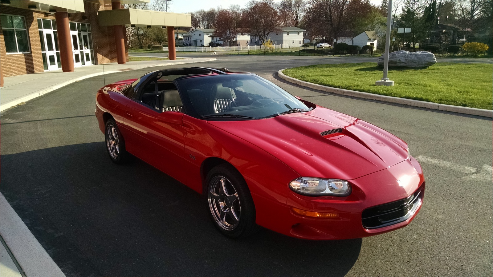 2000 chevrolet camaro overview cargurus. Black Bedroom Furniture Sets. Home Design Ideas