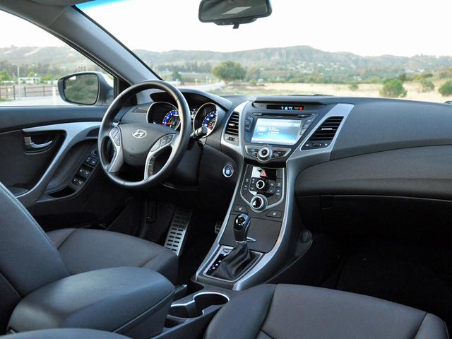 2015 hyundai elantra pictures cargurus for Hyundai elantra sport interior