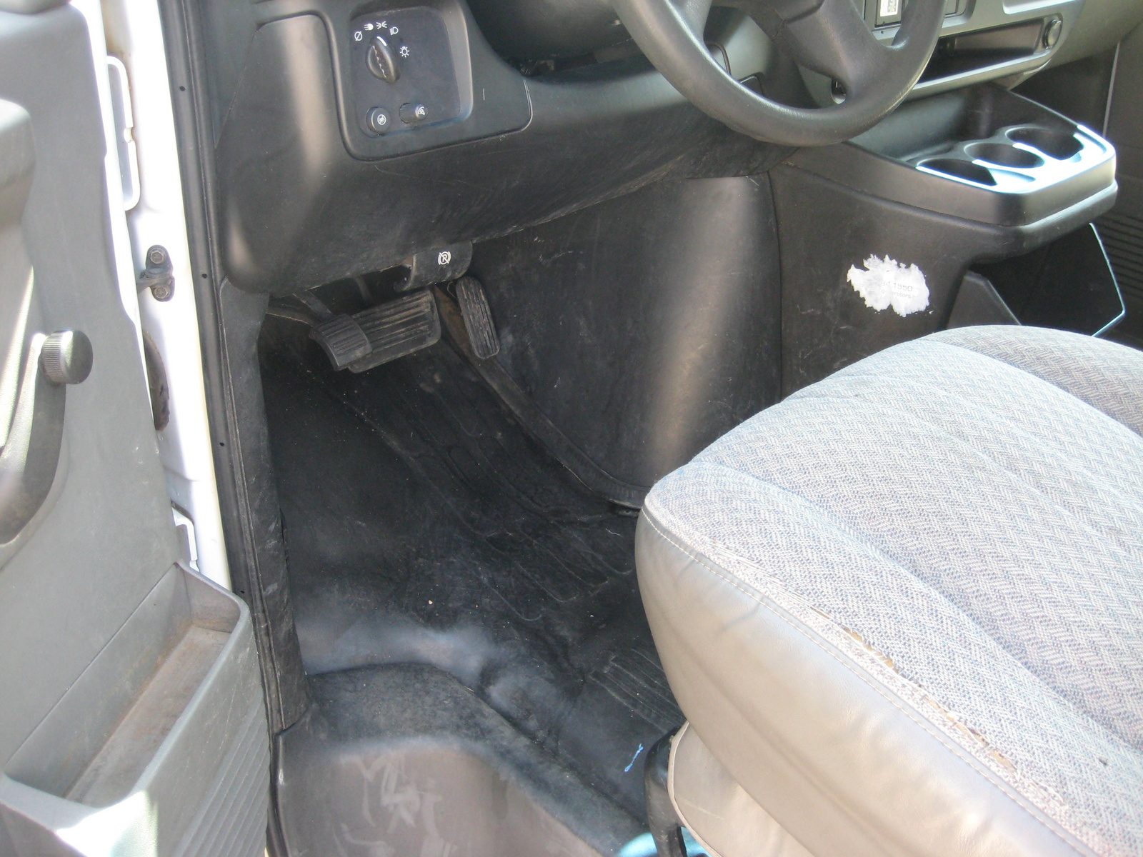 Picture of 2006 Chevrolet Express LS 1500 Van AWD, interior