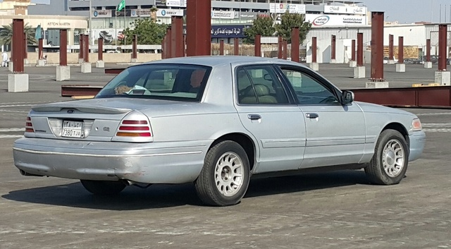 Picture of 1999 Ford Crown Victoria