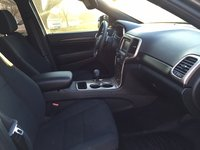Picture of 2014 Jeep Grand Cherokee Laredo E 4WD, interior