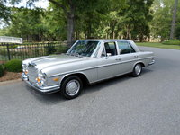 1971 Mercedes-Benz 280 Picture Gallery