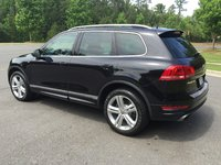 Picture of 2014 Volkswagen Touareg VR6 R-Line