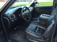 Picture of 2010 Chevrolet Suburban LS 1500 4WD, interior