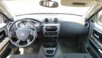 Picture of 2006 Mitsubishi Raider Duro Cross V8 4dr Extended Cab SB, interior