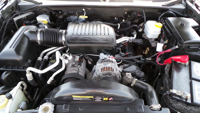 Picture of 2006 Mitsubishi Raider Duro Cross V8 4dr Extended Cab SB, engine