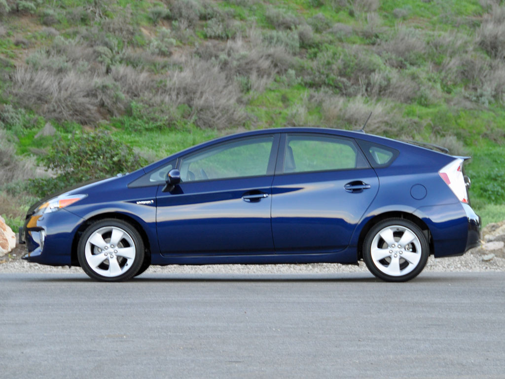 2015 toyota prius test drive review cargurus. Black Bedroom Furniture Sets. Home Design Ideas