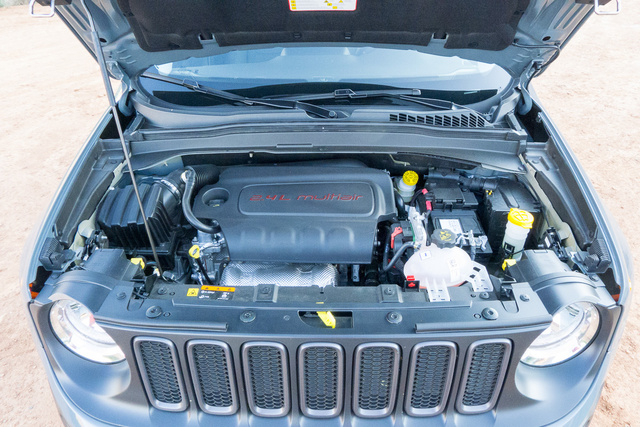 Picture of 2015 Jeep Renegade Trailhawk 4WD, engine, gallery_worthy