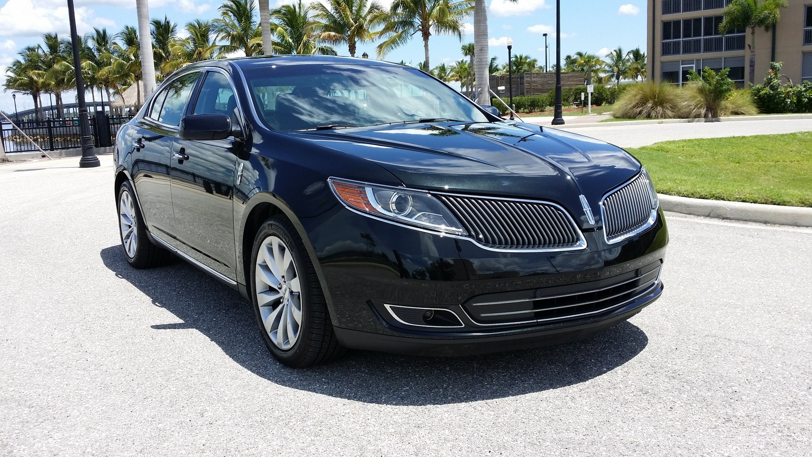 Picture of 2015 Lincoln MKS Base