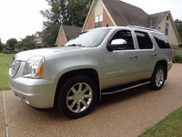 2010 GMC Yukon XL Denali Picture Gallery