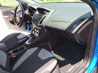 Picture of 2014 Ford Focus SE Hatchback, interior