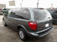 2003 Chrysler Voyager Overview