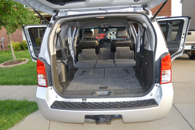 2015 nissan pathfinder second row bucket seats autos post. Black Bedroom Furniture Sets. Home Design Ideas