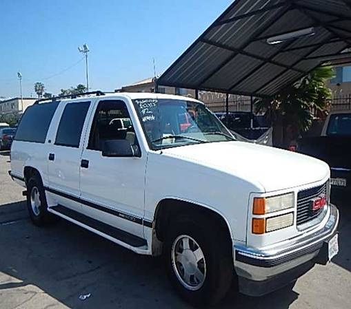 Picture of 1995 GMC Suburban