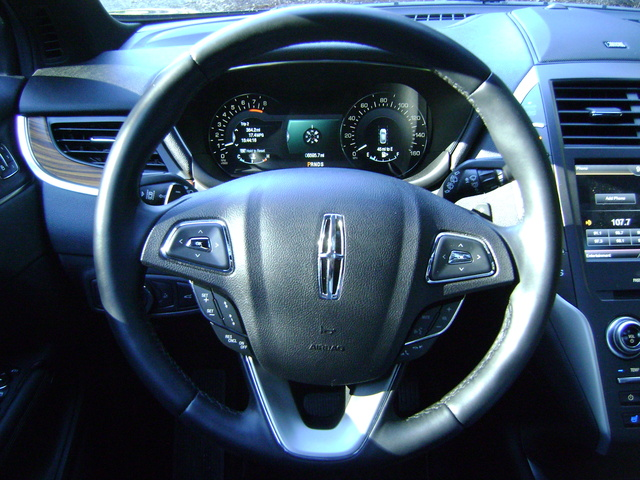 Picture of 2015 Lincoln MKC, interior, gallery_worthy