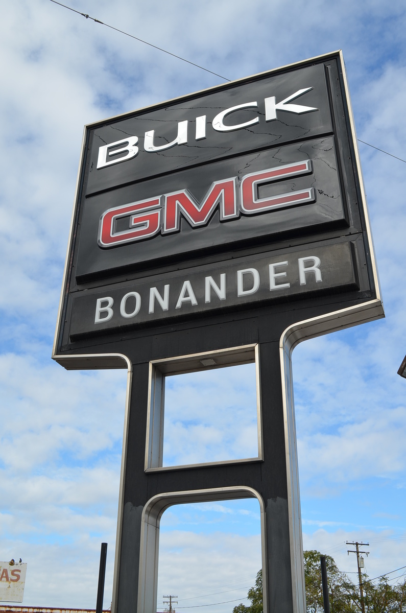 Stockton Auto Sales >> Bonander Buick GMC - Turlock, CA: Read Consumer reviews ...