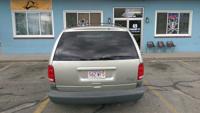 Picture of 2000 Plymouth Voyager SE