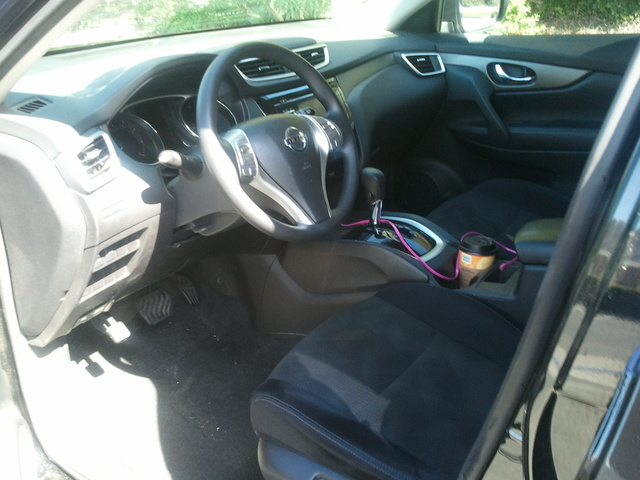 Picture of 2014 Nissan Rogue S AWD, interior, gallery_worthy