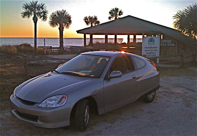 Picture of 2004 Honda Insight 2 Dr STD Hatchback