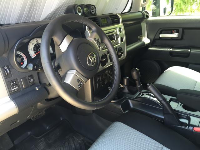 2014 Toyota Fj Cruiser Pictures Cargurus