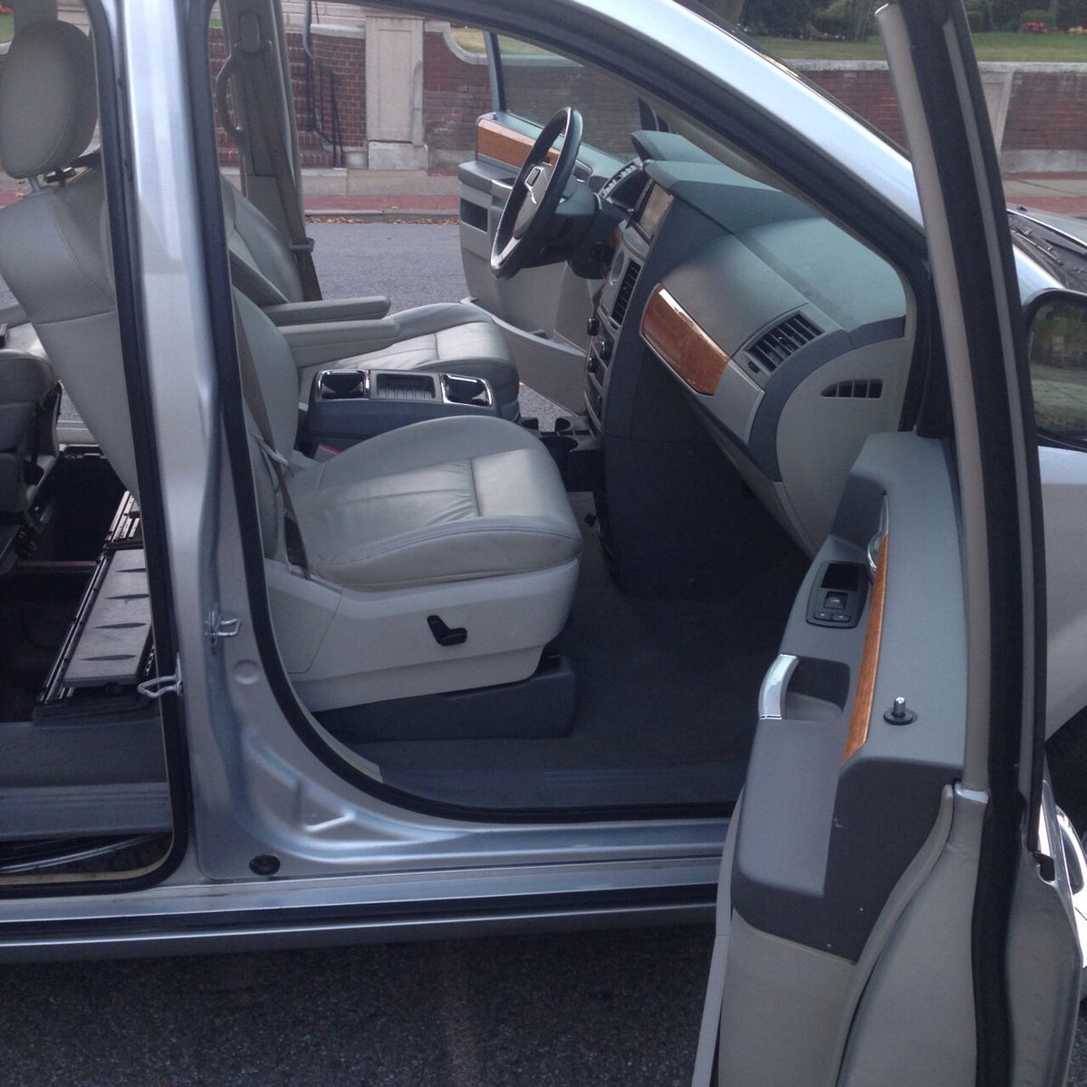 2008 Chrysler Town Country Interior Pictures Cargurus