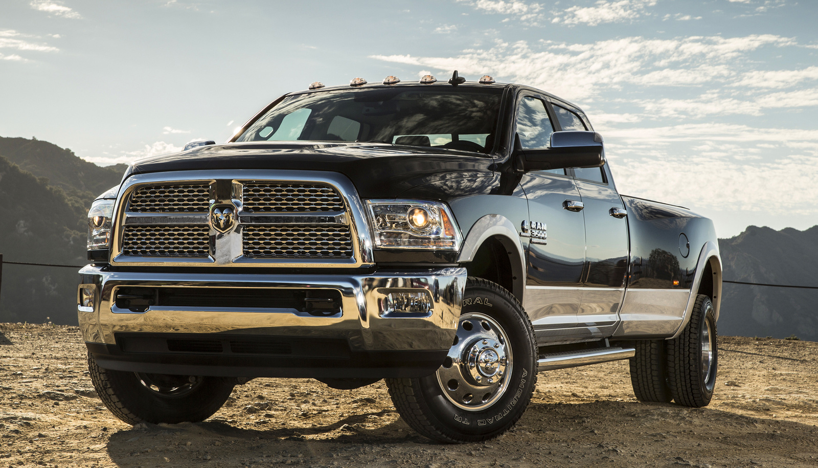 2014 dodge ram 3500 dually 4x4 autos weblog. Black Bedroom Furniture Sets. Home Design Ideas