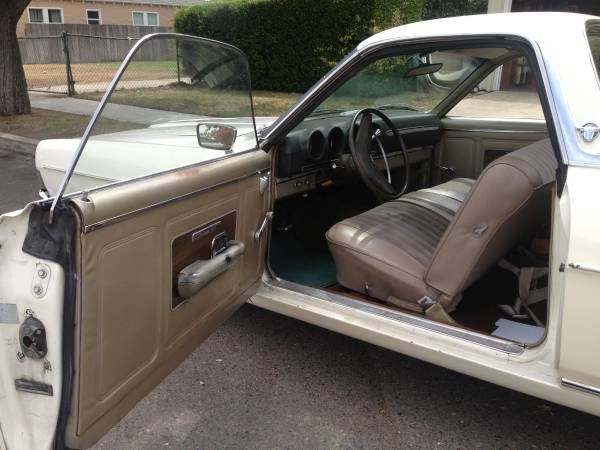 picture of 1969 ford ranchero interior