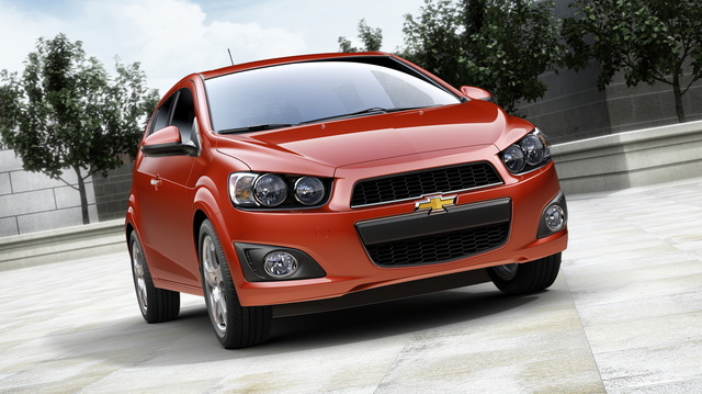 2016 Chevrolet Sonic, Front-quarter view. Copyright General Motors, exterior, manufacturer, gallery_worthy