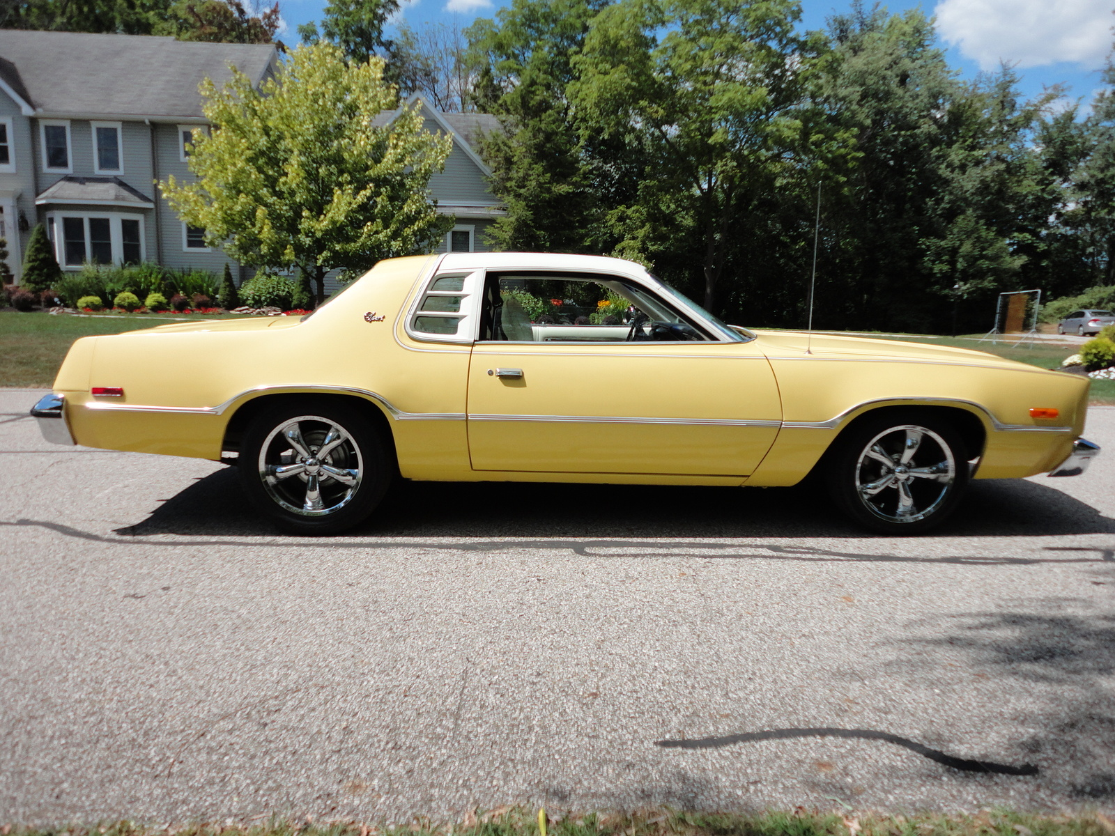 1976 Dodge Challenger Dodge Charger Pic